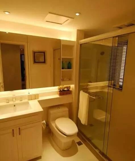 欧式装修厕所窗